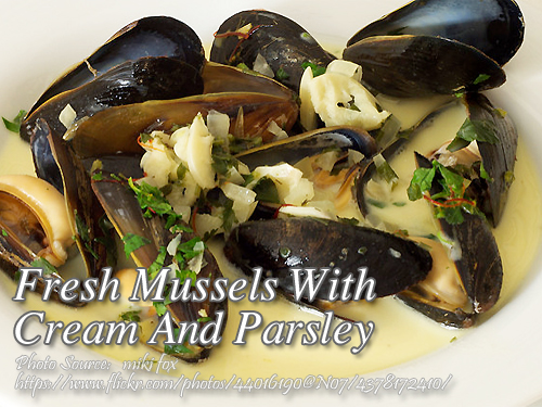 Fresh Mussels with Cream and Parsley